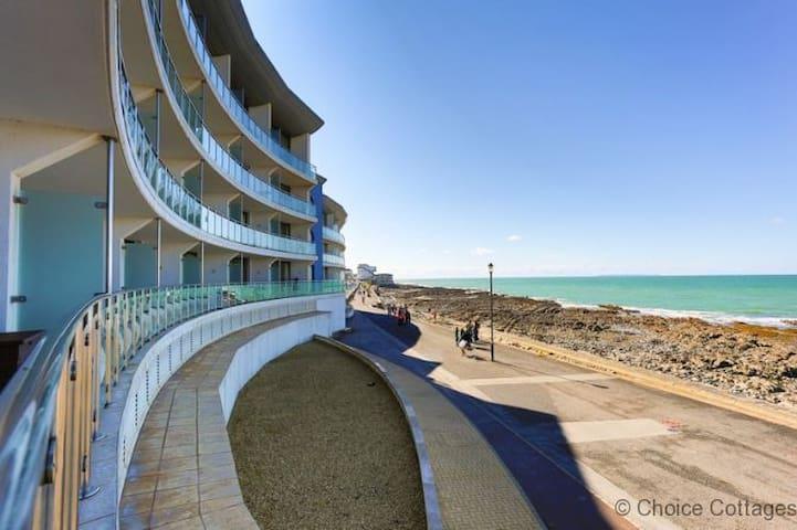 WESTWARD HO! HORIZON VIEW 17 | 2 Bedrooms| Spectacular Sea Views| Golf|