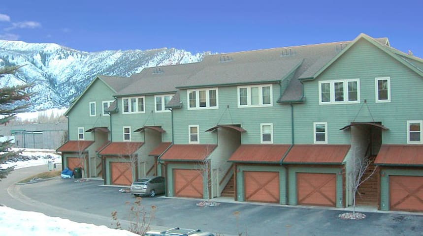 Lakeside Townhome with mountain views - Basalt - Casa adossada