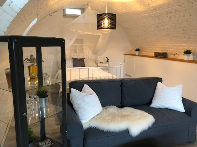 Unique vaulted cellar with feel-good guarantee