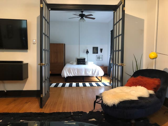 Charming 3 BR house, newly renovated.