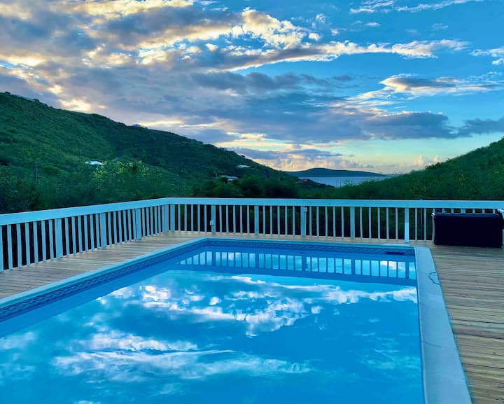 Hidden Valley Villa 3 BR w/private pool great view