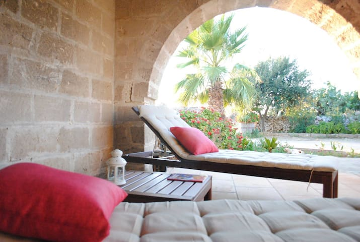 Antica Masseria a 7 min dalla spiaggia - Sant'Isidoro - Bed & Breakfast