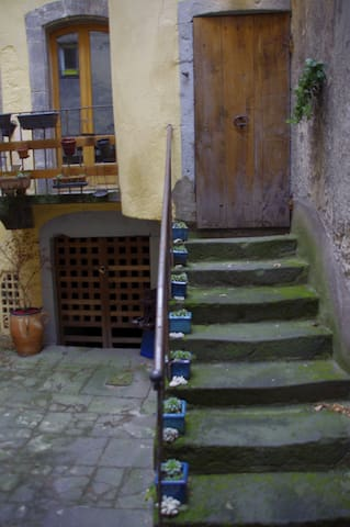 Petite maison duplex hypercentre proche cathédrale