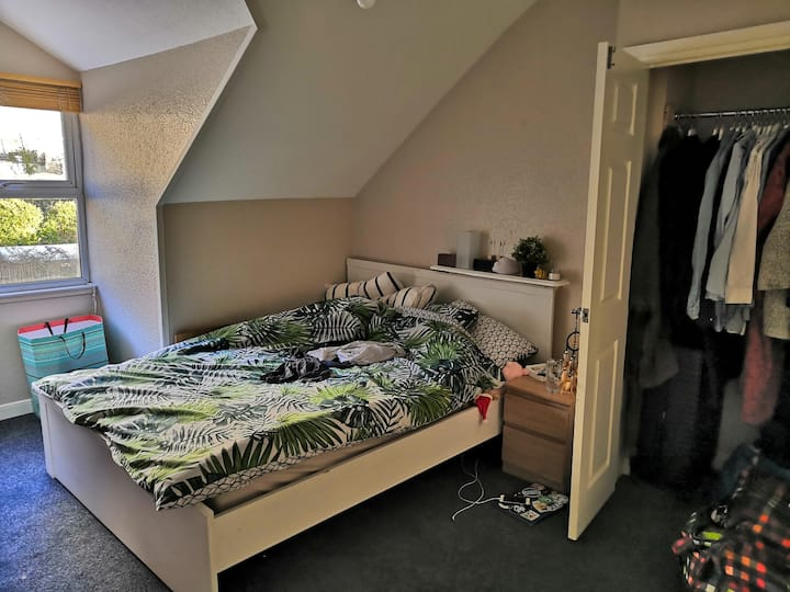 2 luminous bedrooms flat in Clifton