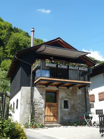 """La Petite Grange """" Calme, Nature,Charme"""""""