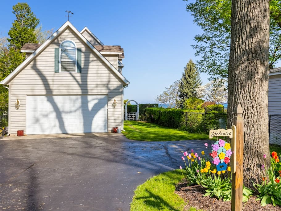 The Carriage House By Lake Michigan Apartments For Rent