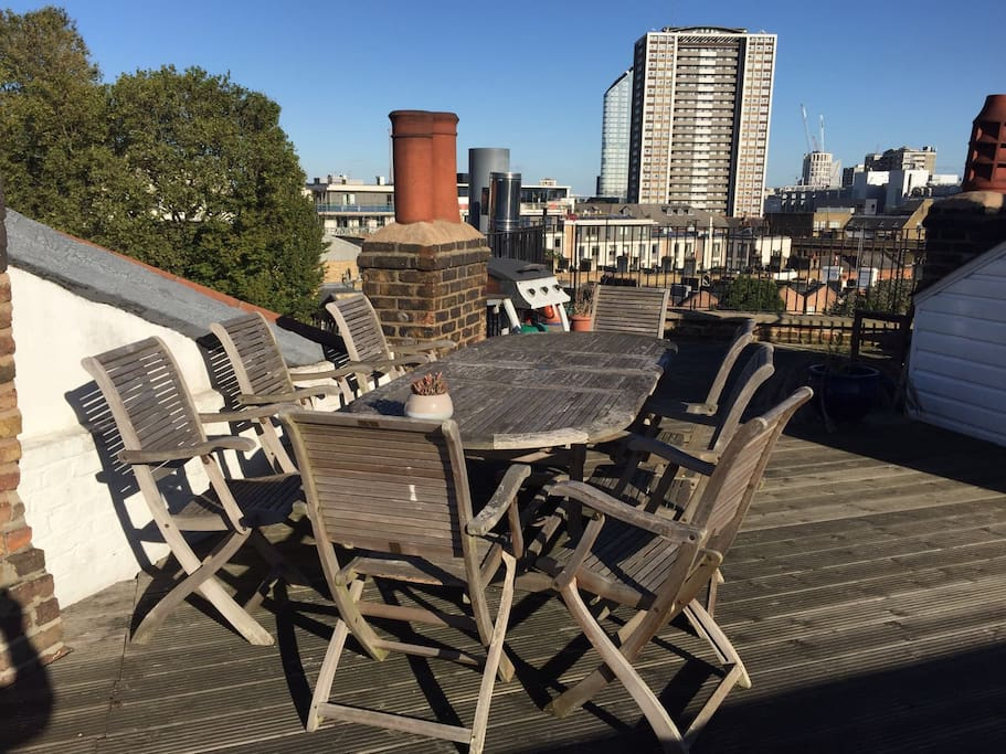 Huge private roof terrace with 360 degree views of London!