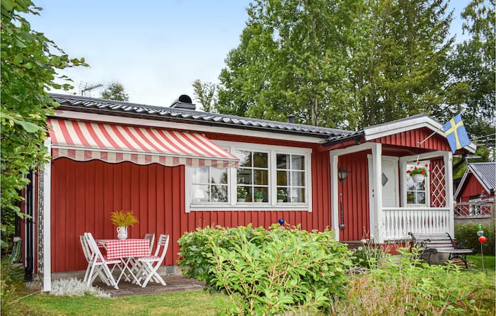 Awesome home in Immeln with 2 Bedrooms