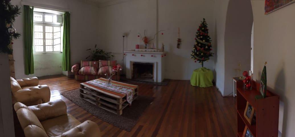 Habitaciones amplias en linda casa