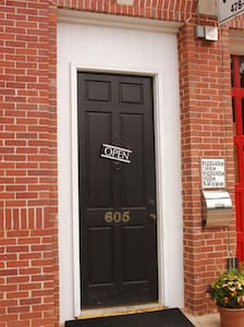 Forward apt in historic bldg - Louisville