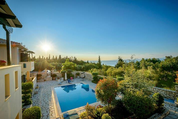 2 private pool villas,3 min beaches,sea view