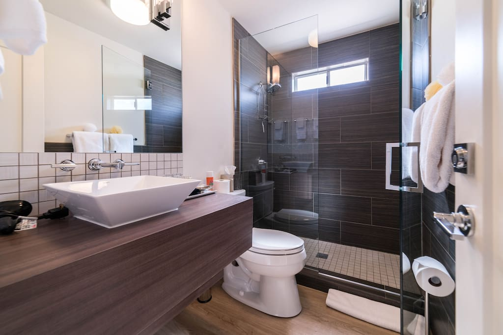2 BEDROOM SUITE - BATH