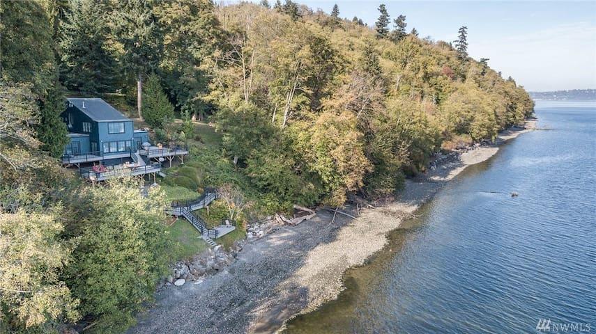 Waterfront Vashon Island Home with Mt Rainier View