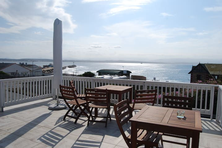 Sun deck with awesome views - good place to sit and relax