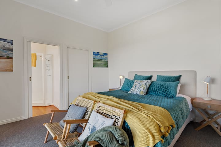 Main Bedroom with Ensuite and Large walk in robe