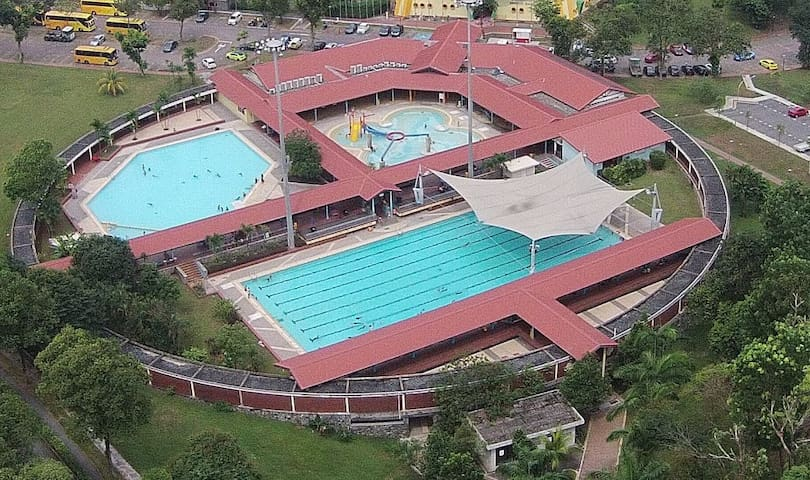 Woodlands Sports Complex and Swimming Pools