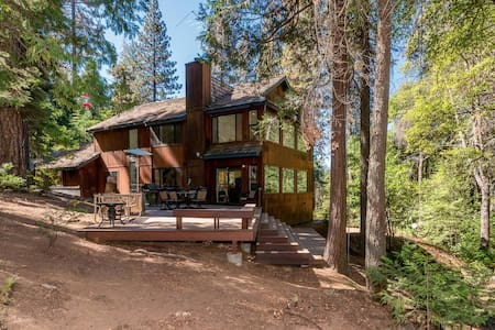 Creekside Retreat - Shaver Lake - Stuga