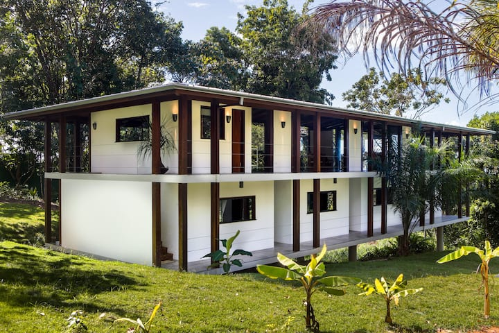 Urubu house Bahia