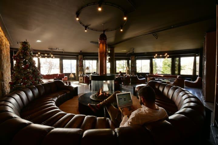 Nirvana Hotel's Lobby - common Space