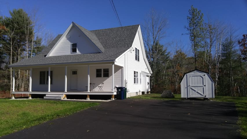 New Home, great location, 4 bedrooms, very quiet! - Biddeford - Talo