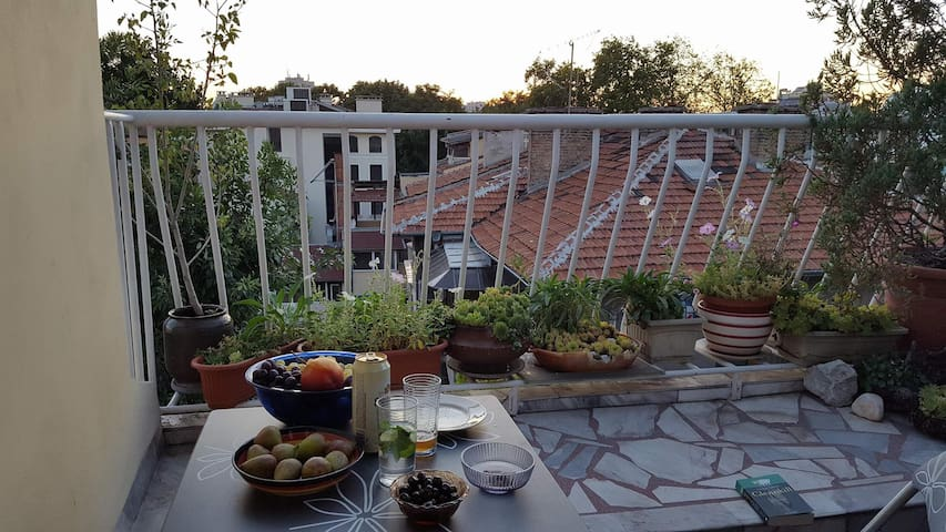 A dinner at the balcony!