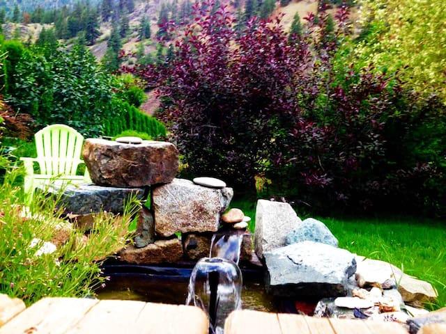 Cottage and Hot tub on acreage