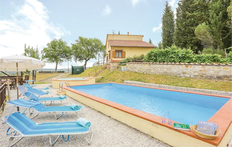 Holiday cottage with 4 bedrooms on 170 m² in Barberino V. E. (FI)