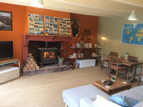 double room in characterful house w/garden & gym