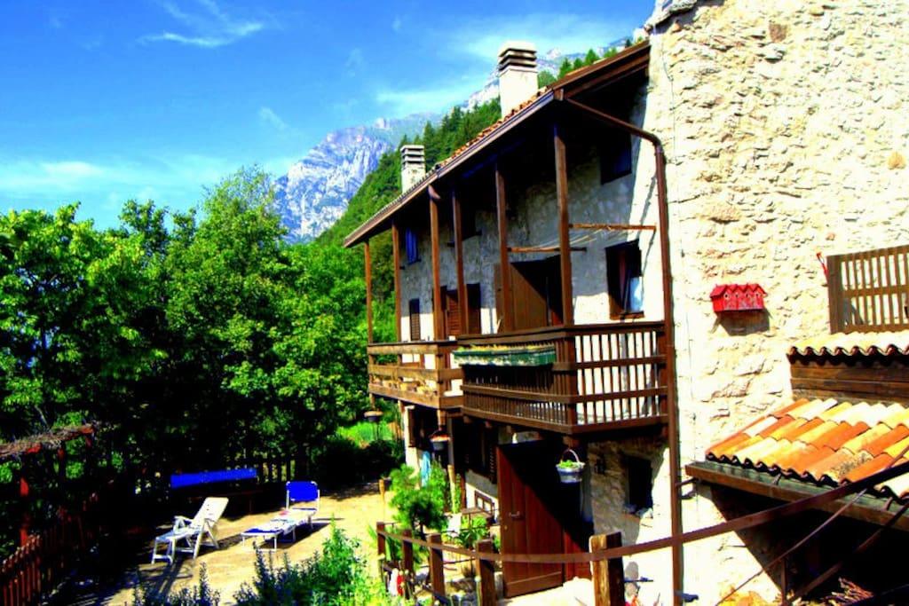 Casa in montagna agriturismi in affitto a garniga terme for 3 piani della casa della camera da letto di storia 5
