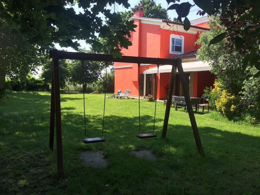 la villa con il giardino