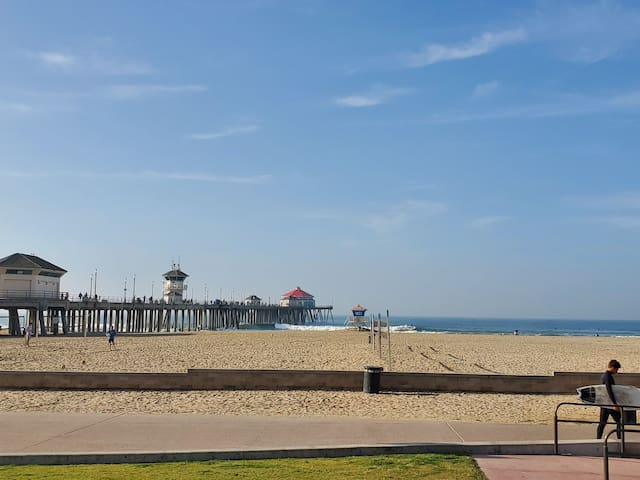 Perfect Getaway near Downtown HB!