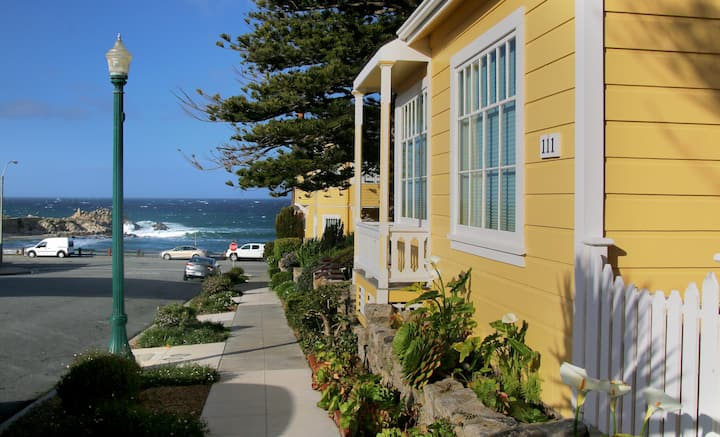 1/2 Block to Ocean-Jewell Cottage: 2 Bedroom House - Seven Gables Boutique Hotel