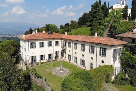 Apartment-Piano Nobile-Villa Agnesi, Montevecchia