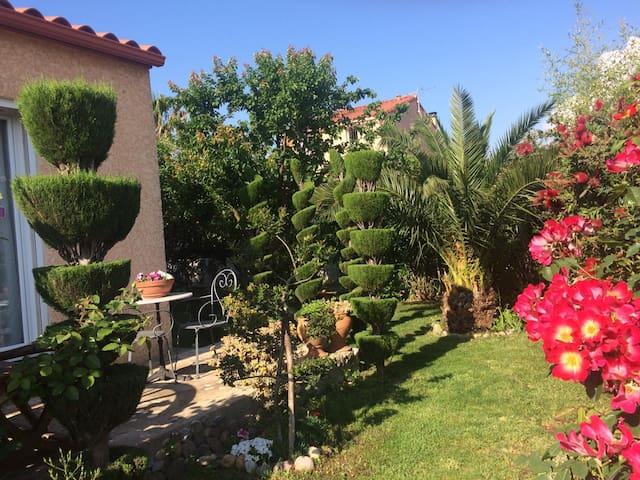 (2) 1 ou 2 chambres dans petit village Catalan
