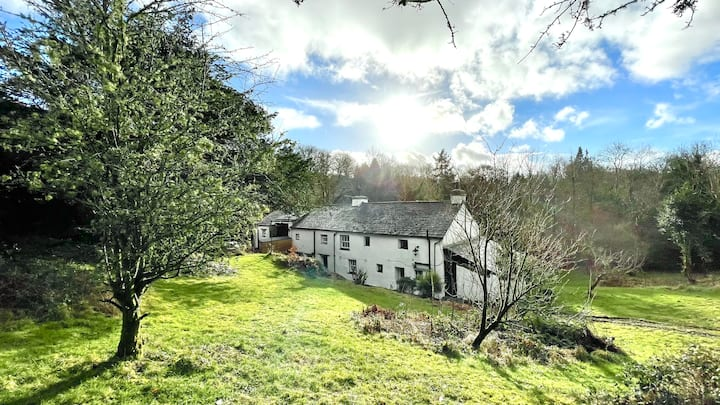 Barnhouse with private beach on Lake Windermere