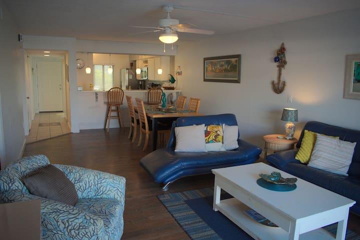 Cocoa Beach - Oceanside Luxury - Handicap Access