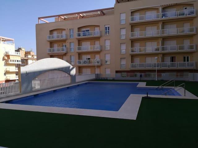 Apartamento perfecto para tus vacaciones - San Luis de Sabinillas - Apto. en complejo residencial