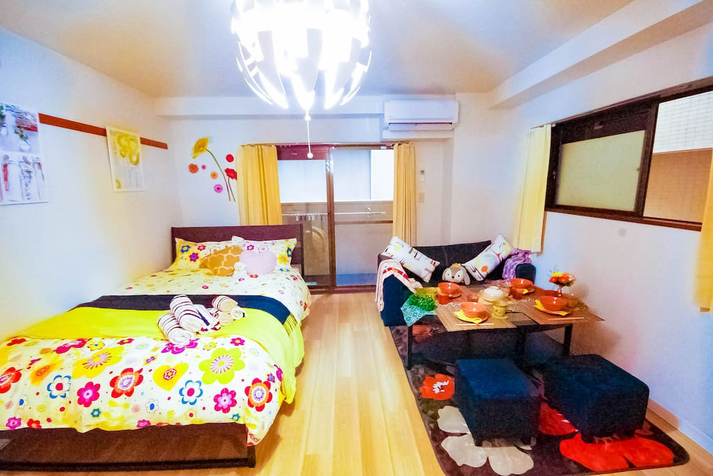 There are 1 double bed and 1 semi double sofa bed! Total 4 persons can sleep in this room.p