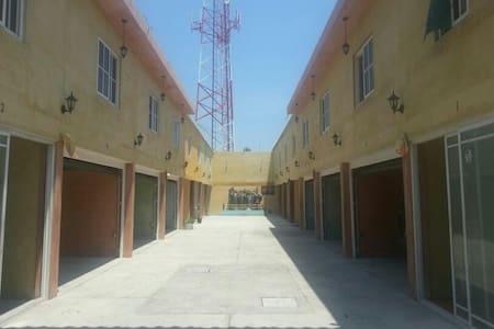 Hotel con 16 habitaciones - Monterrico - Apartamento
