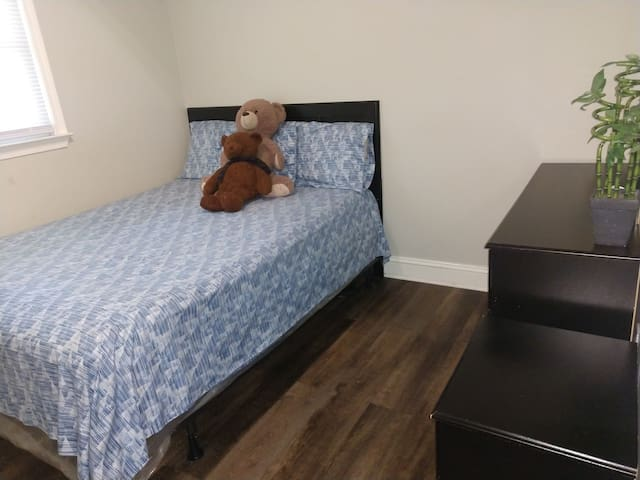 Amazing room available!