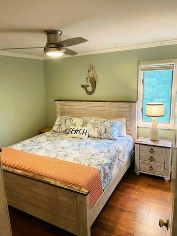 Mermaid Room - King Bed