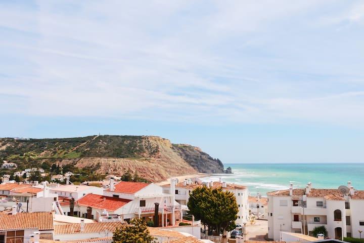 Unique sea views & Central ☼ Casa Rocha Negra