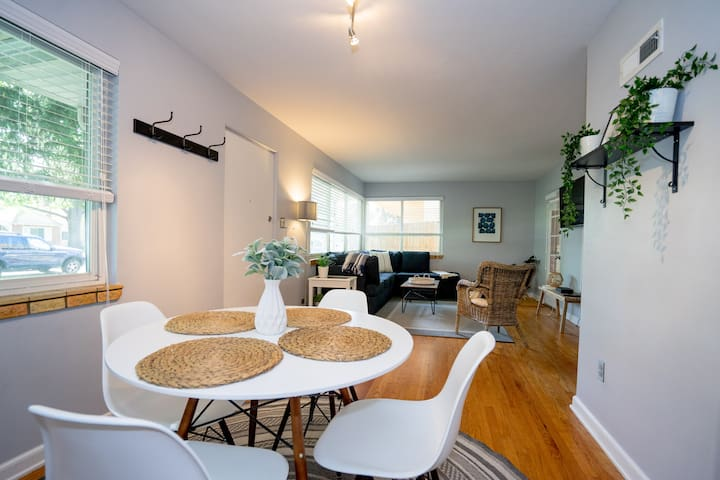 The Denver Den in Mayfair Park | Enormous Backyard with Grill | Sleeps 7