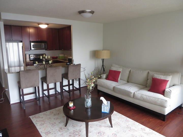 30 E. Huron #3405 Private Residence