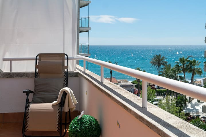 Ático SOFIA, terraza, playa! - Sitges - Apartment