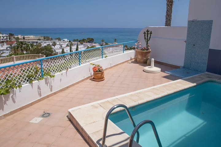 Casa Blanca, modern 3 bedrooms, small private pool