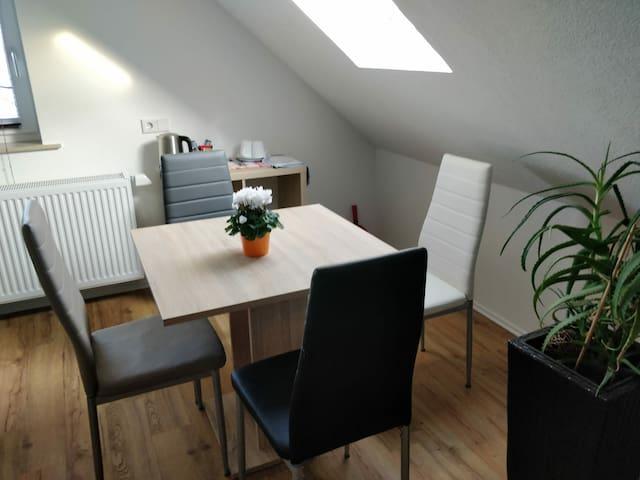 Schönes modernes DG Apartment für 1-4 Personen