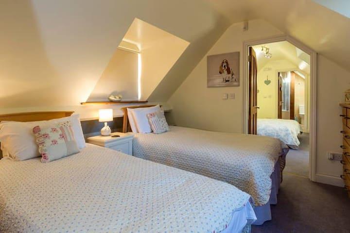 Sleeps 6 BB Laverton Nr Bath & Frome Somerset