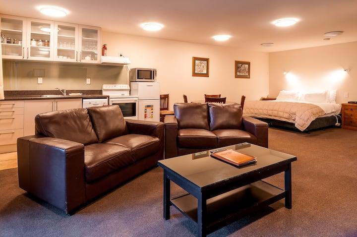 Coronet View Studio Apartment (3 Guests)