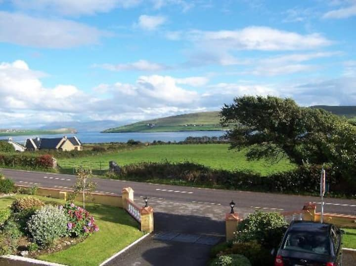 Cil Bhreac House -Overlooking Dingle Bay